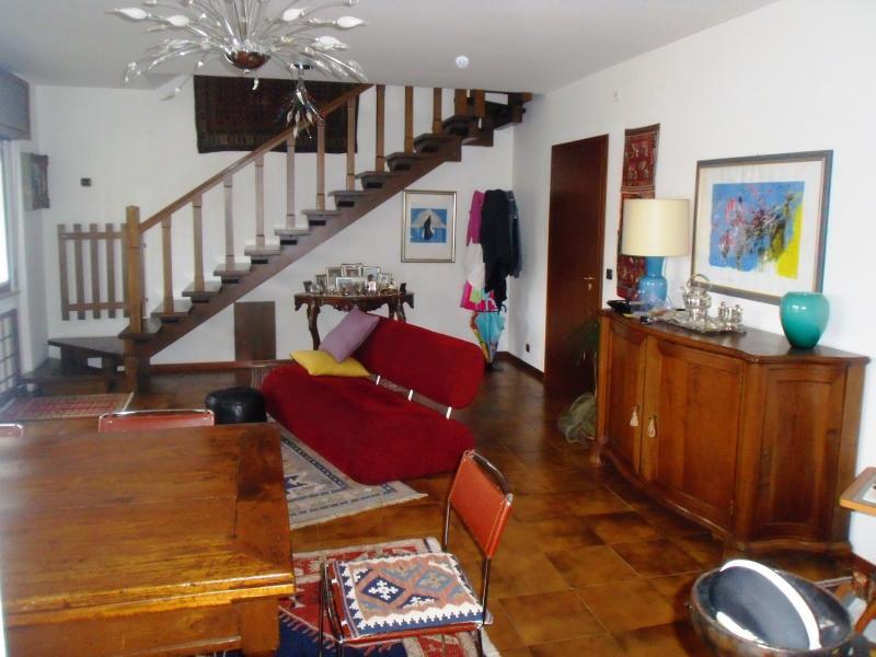 Appartamento in vendita a Udine, 7 locali, zona Località: VIAMARTIGNACCO, prezzo € 190.000 | Cambio Casa.it