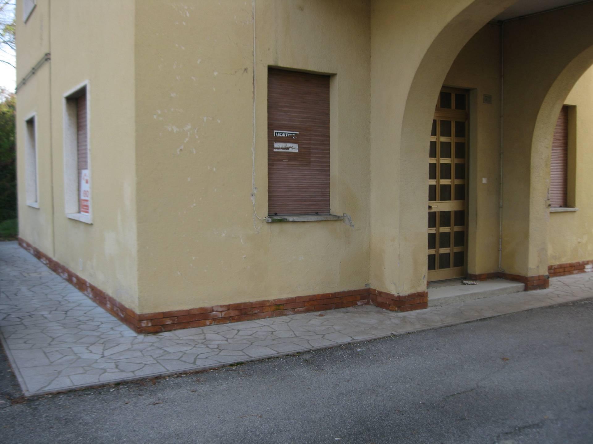 Appartamento in vendita a Torviscosa, 3 locali, prezzo € 39.000 | Cambio Casa.it