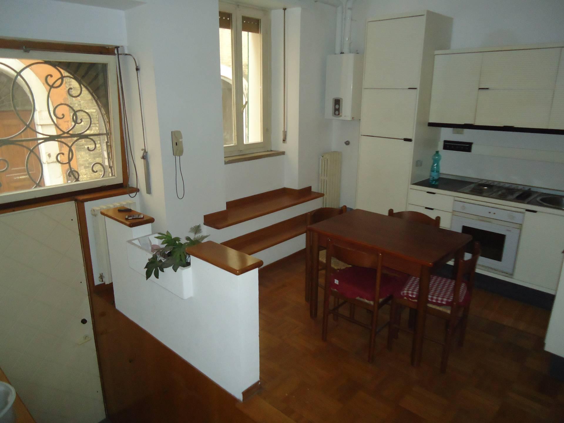 Appartamento in affitto a Ancona, 1 locali, zona Località: Centrostorico, prezzo € 470 | Cambio Casa.it
