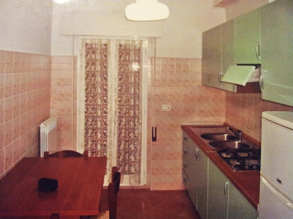 Appartamento in affitto a Ancona, 3 locali, zona Zona: Grazie, prezzo € 450 | Cambio Casa.it