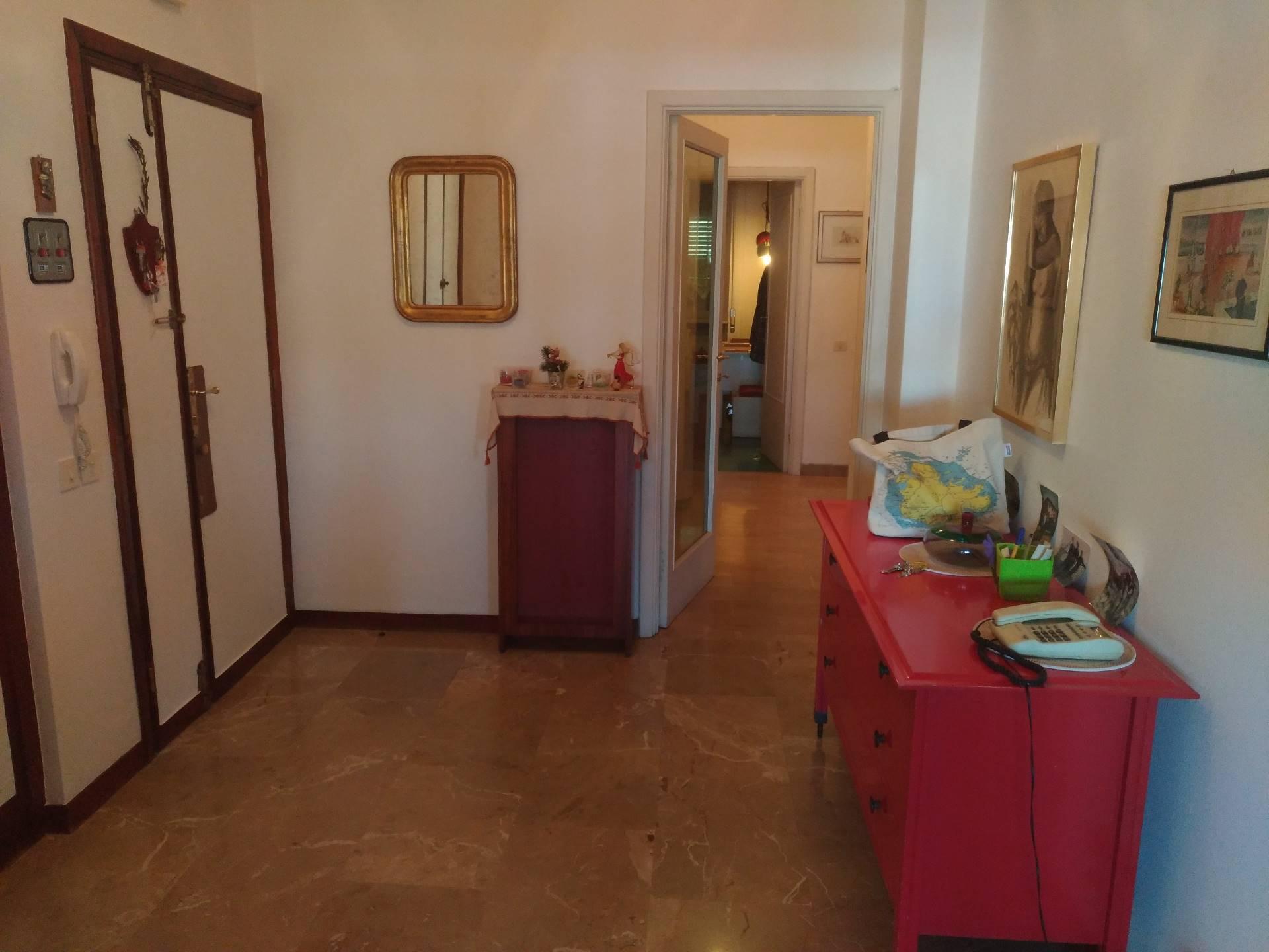 Appartamento in affitto a Ancona, 6 locali, zona Località: Q.Adriatico, prezzo € 920 | Cambio Casa.it