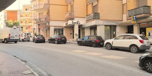 Locale commerciale in Vendita a Ancona