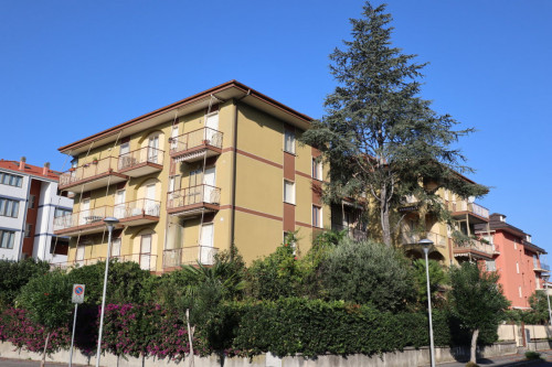 Three-room flat for Sale to Andora