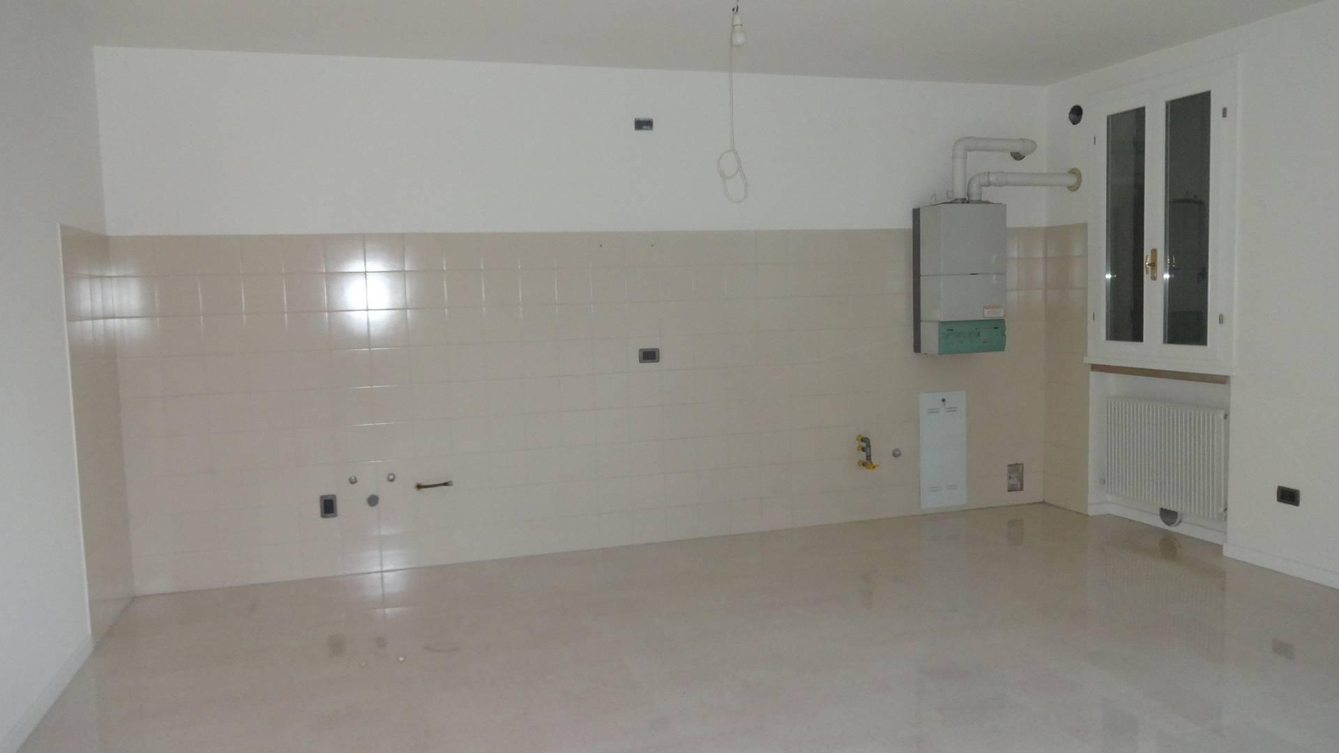 Appartamento in affitto a Montebelluna, 3 locali, zona Località: LaPieve, prezzo € 500 | Cambio Casa.it