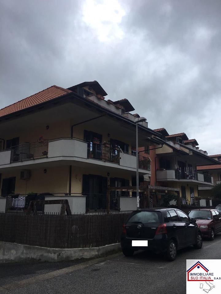 Attico / Mansarda in vendita a Giugliano in Campania, 3 locali, zona Località: LagoPatria, prezzo € 115.000 | Cambio Casa.it