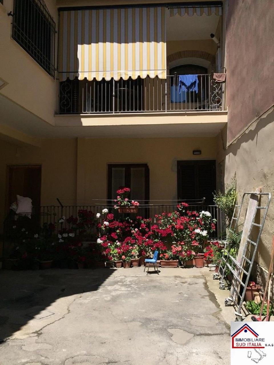 Appartamento in affitto a Qualiano, 3 locali, prezzo € 400 | CambioCasa.it