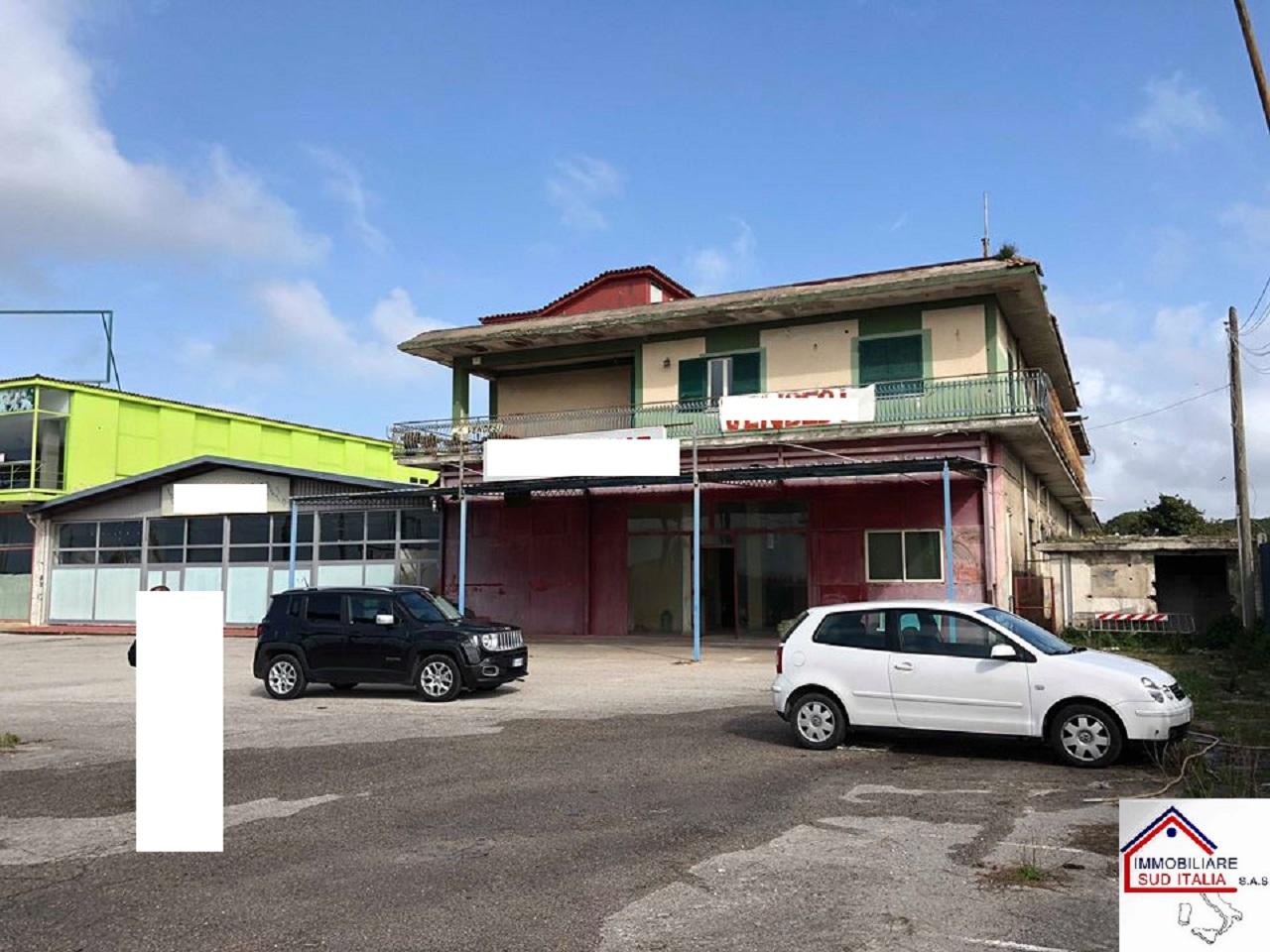 Capannone in vendita a Giugliano in Campania, 9999 locali, Trattative riservate   CambioCasa.it