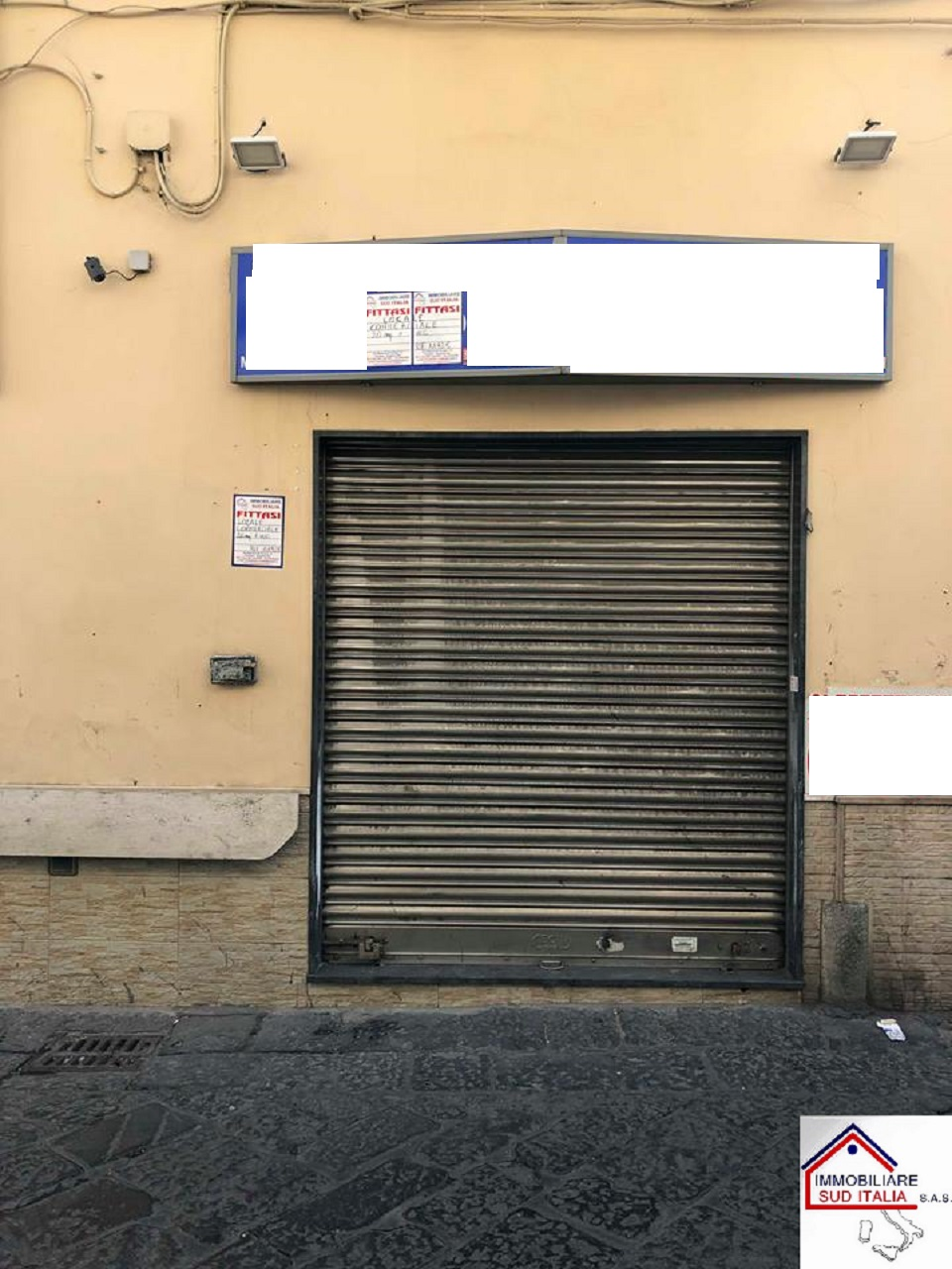Negozio / Locale in affitto a Giugliano in Campania, 9999 locali, prezzo € 300 | CambioCasa.it