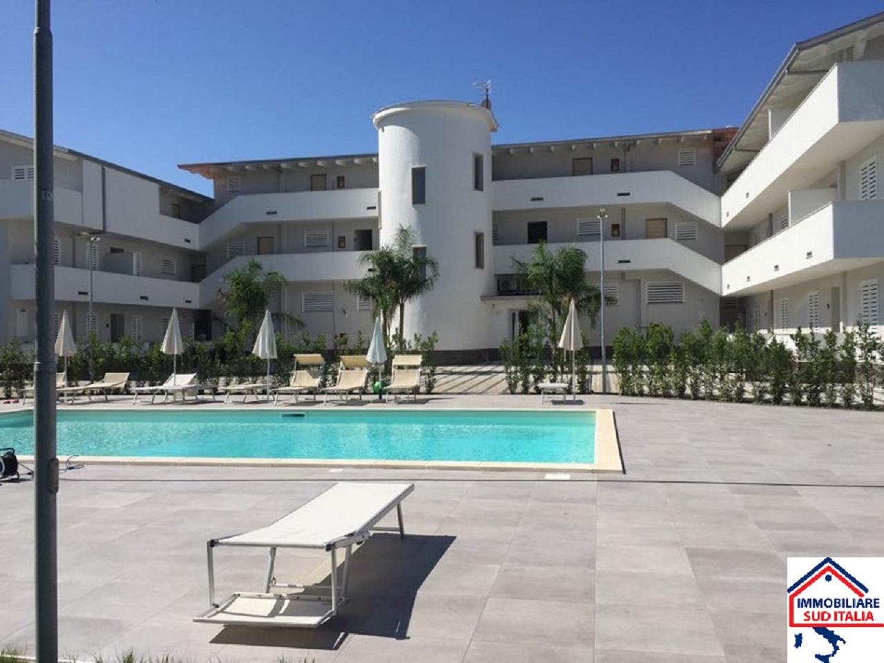 Appartamento in affitto a Giugliano in Campania, 2 locali, zona Zona: Varcaturo, prezzo € 450 | CambioCasa.it