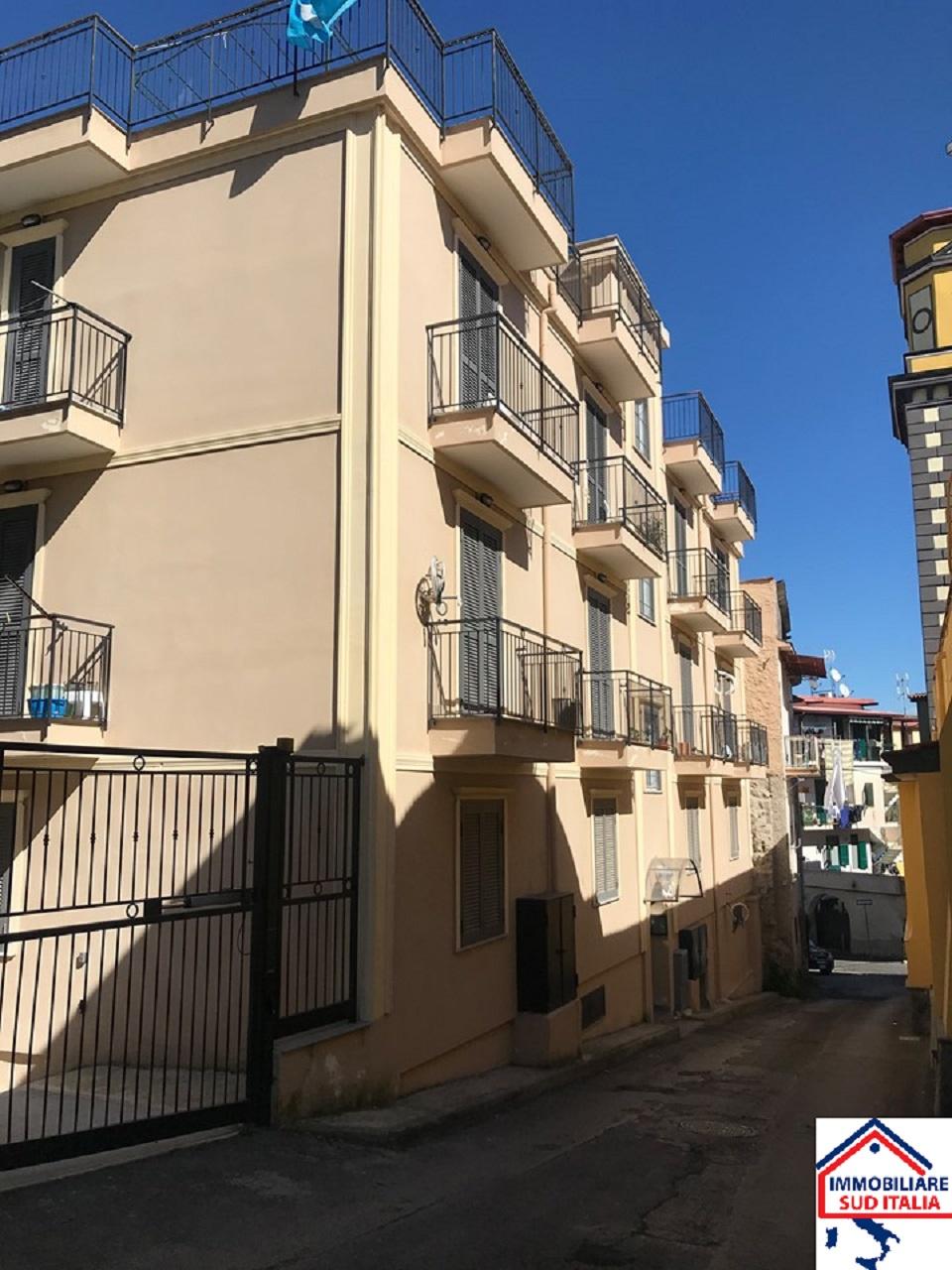 Appartamento in vendita a Marano di Napoli, 3 locali, prezzo € 128.000 | CambioCasa.it