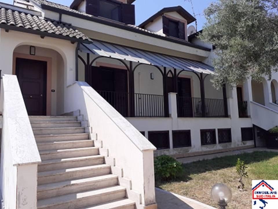 Appartamento in affitto a Giugliano in Campania, 3 locali, zona Zona: Varcaturo, prezzo € 550 | CambioCasa.it