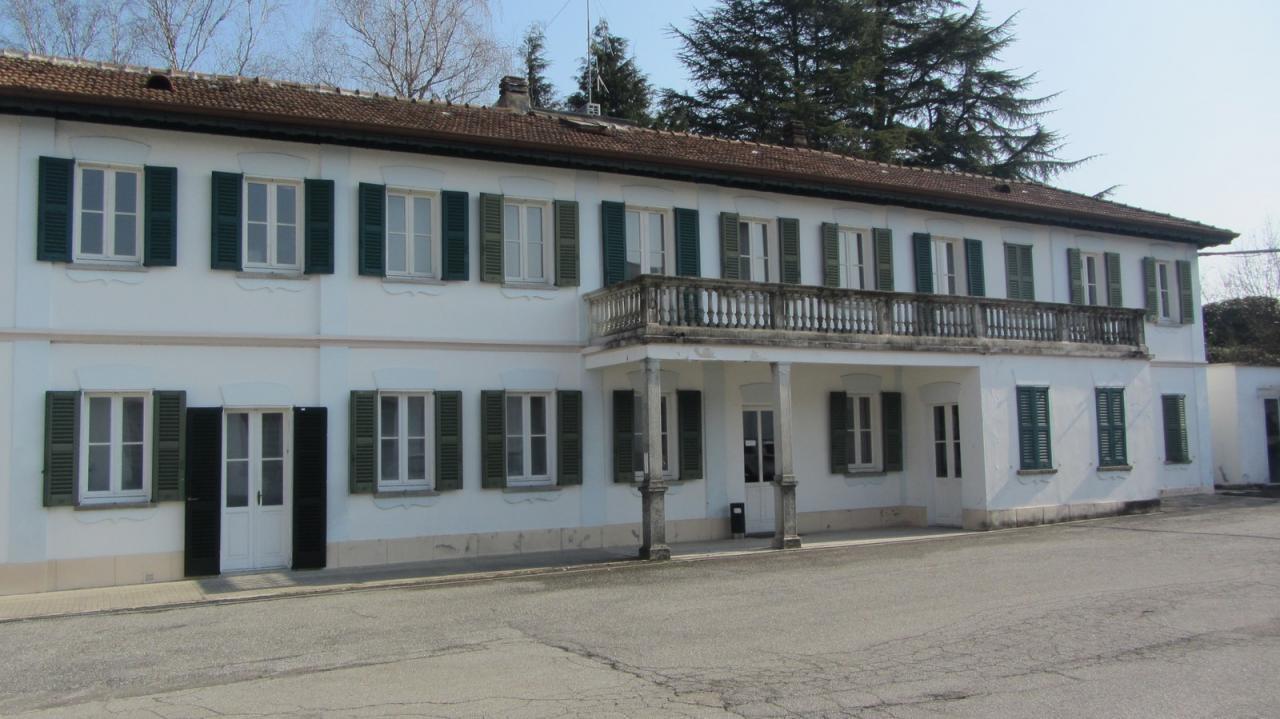 Capannone in affitto a Cazzago Brabbia, 9999 locali, prezzo € 100 | CambioCasa.it