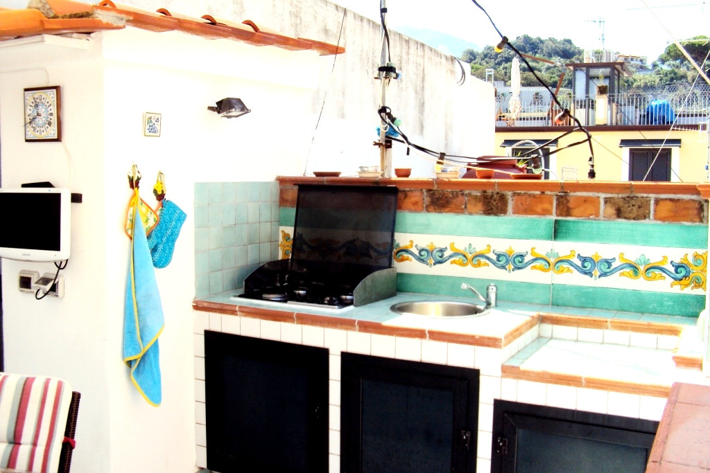 Appartamento in vendita a Lacco Ameno, 2 locali, prezzo € 230.000 | Cambio Casa.it