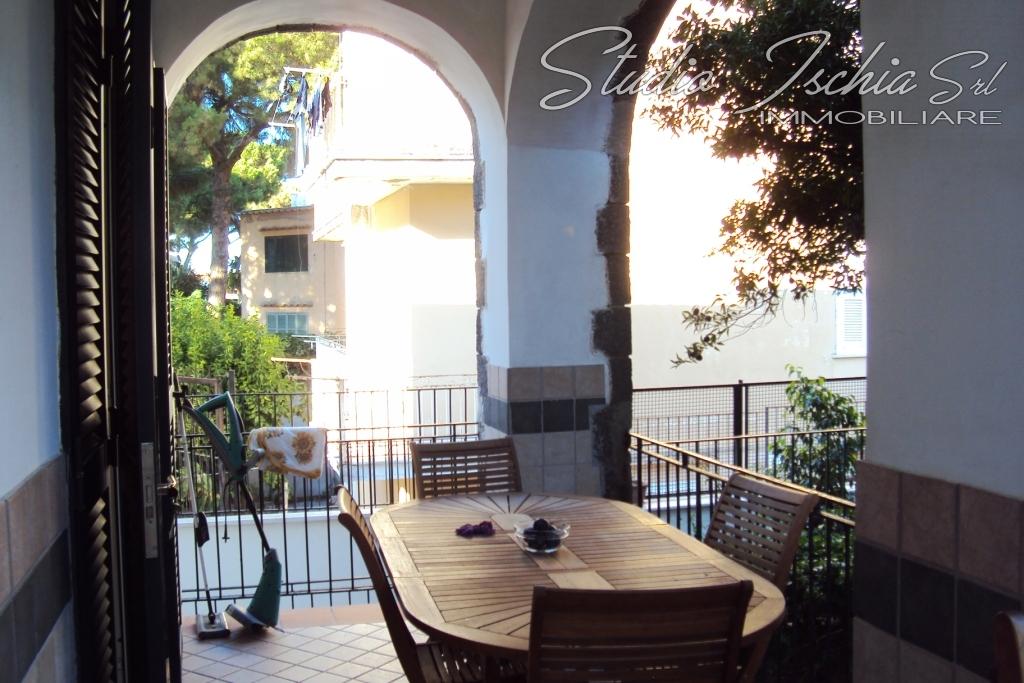 Appartamento in vendita a Ischia, 4 locali, zona Località: Viadellostadio, prezzo € 485.000 | Cambio Casa.it
