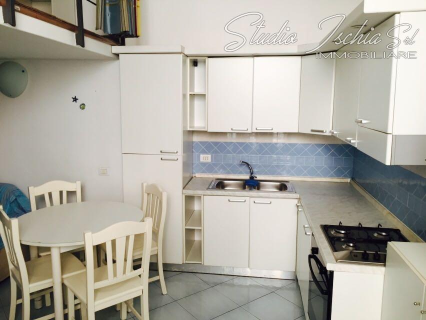 Appartamento in vendita a Ischia, 2 locali, zona Località: IschiaPonte, prezzo € 140.000 | Cambio Casa.it