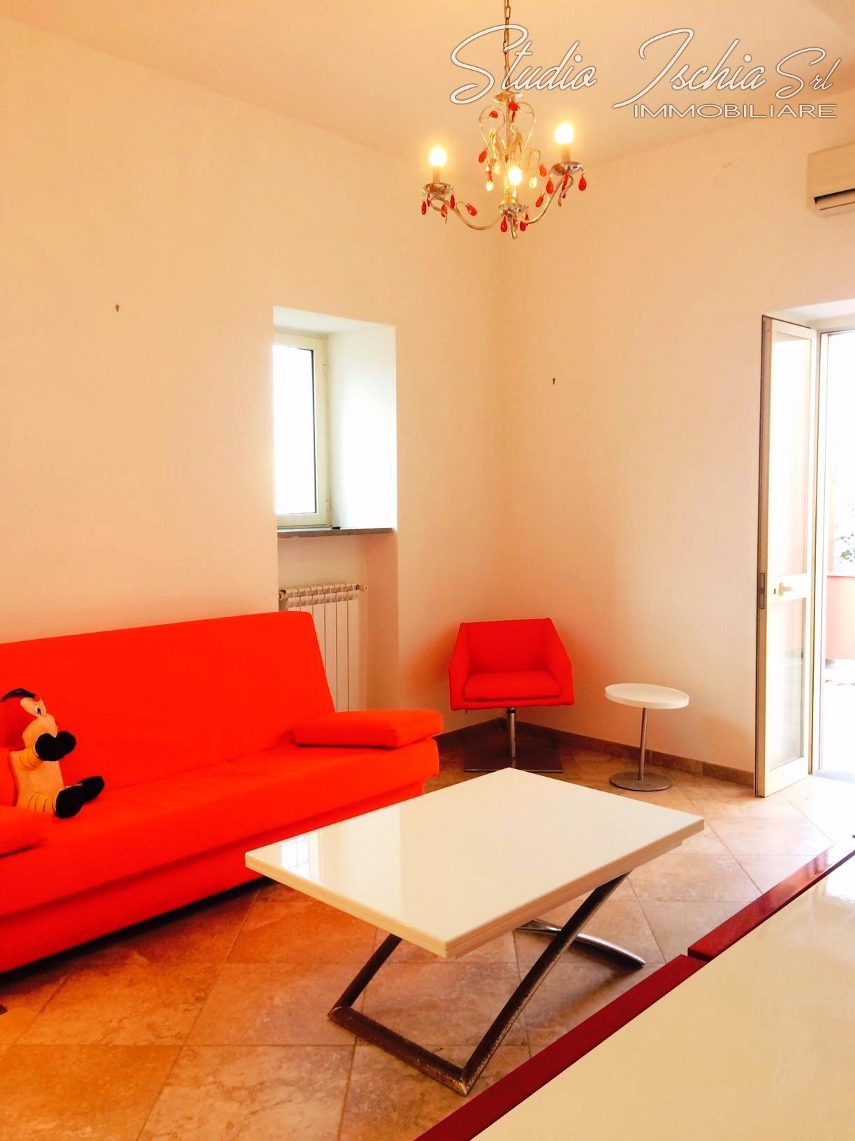 Appartamento in vendita a Forio, 3 locali, zona Località: ForioCentro, prezzo € 240.000 | Cambio Casa.it
