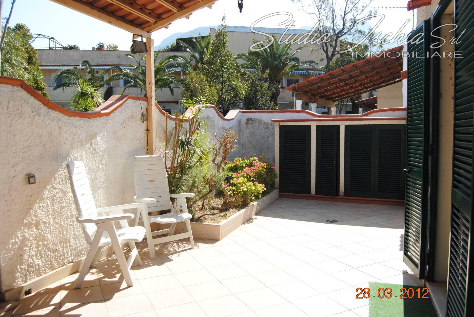 Appartamento in vendita a Forio, 3 locali, prezzo € 295.000 | CambioCasa.it