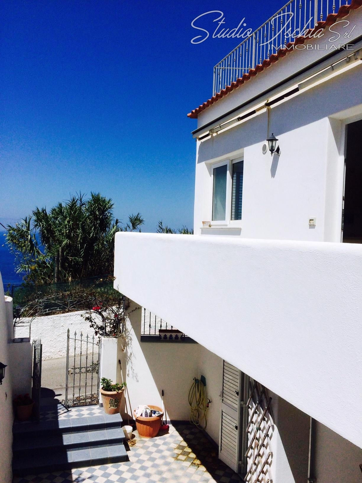 Appartamento in vendita a Forio, 4 locali, zona Zona: Panza, prezzo € 350.000 | CambioCasa.it