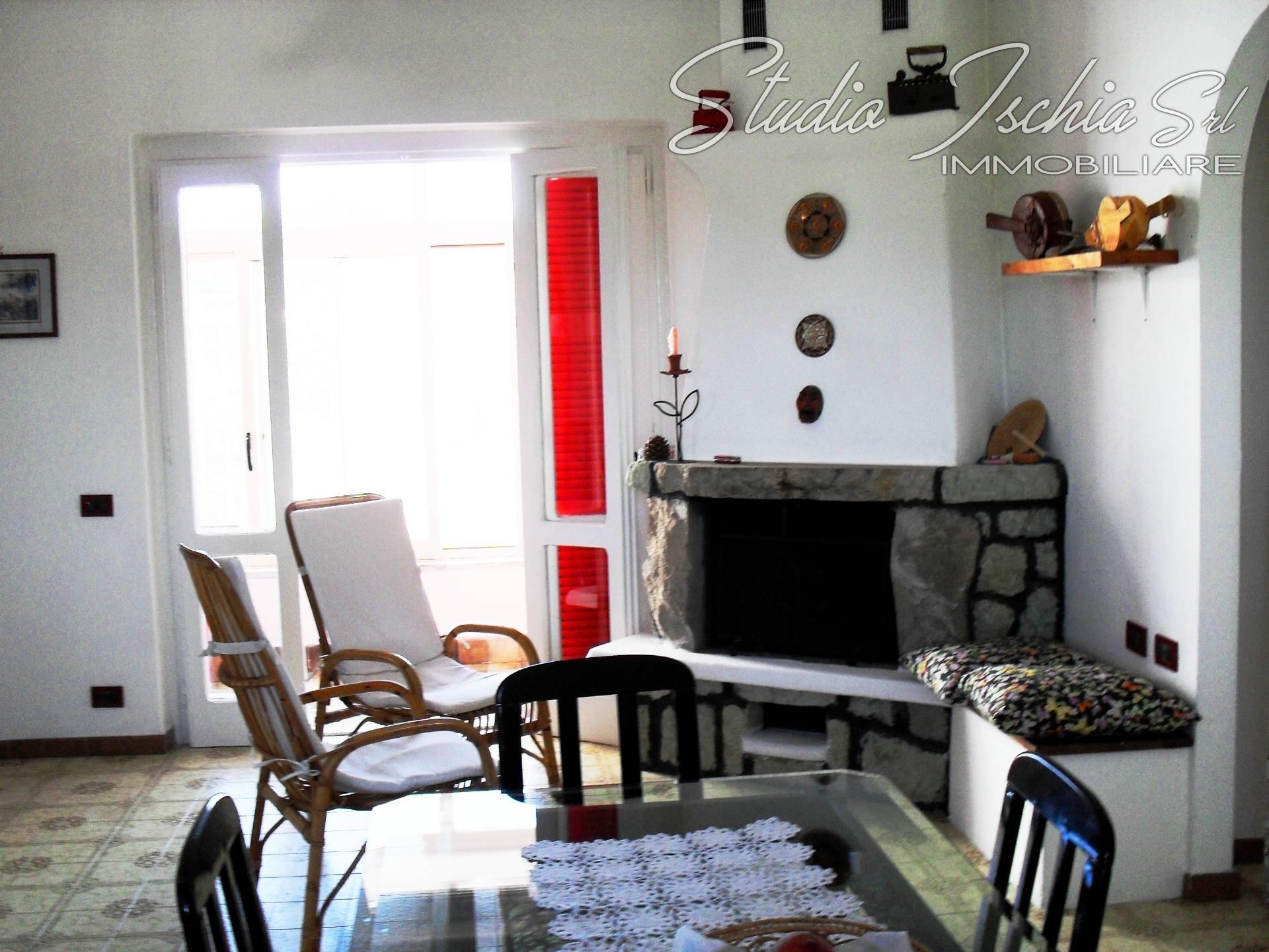 Appartamento in vendita a Forio, 6 locali, prezzo € 280.000 | CambioCasa.it