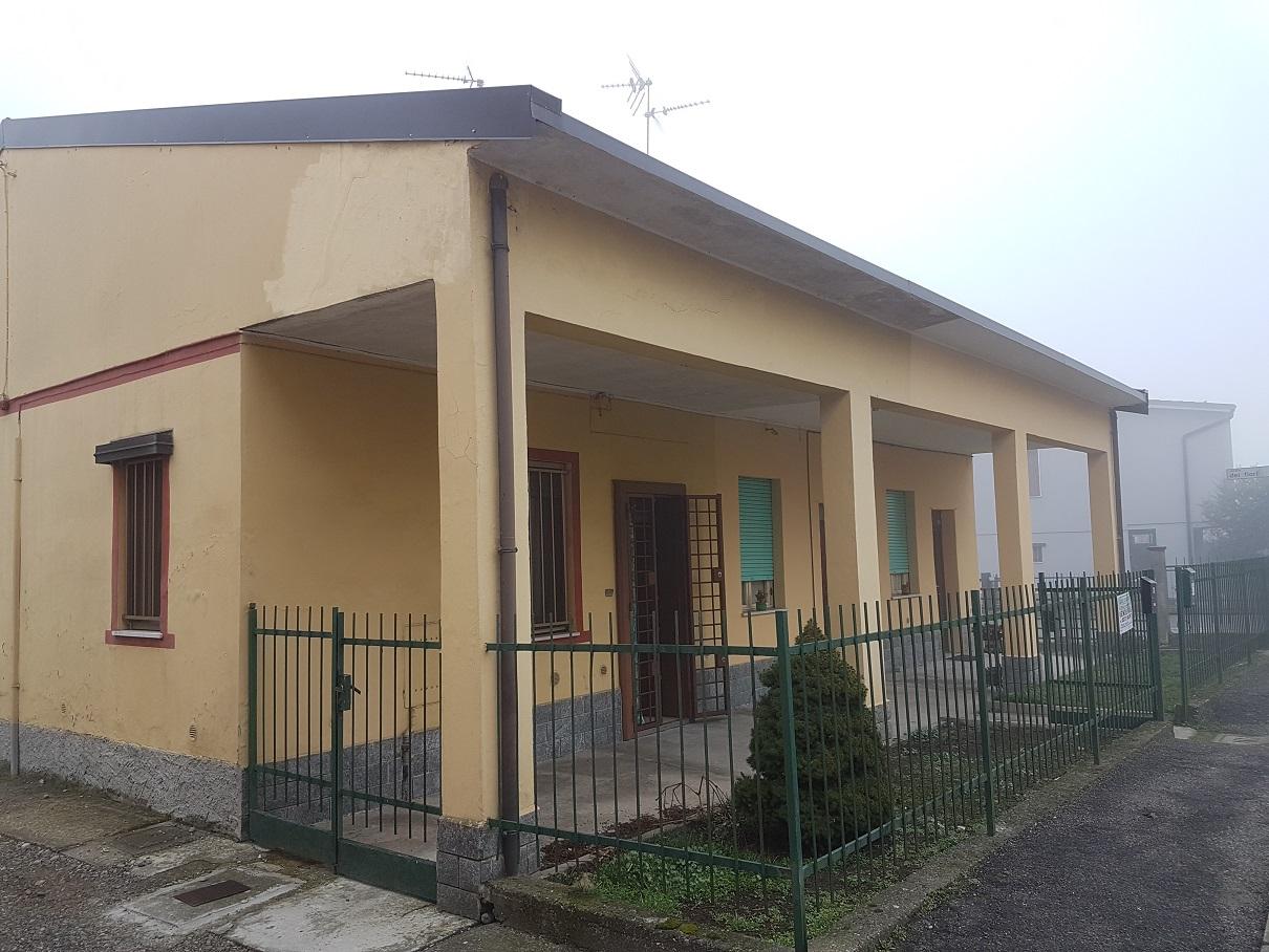 Appartamento in vendita a Boffalora d'Adda, 2 locali, prezzo € 80.000   Cambio Casa.it