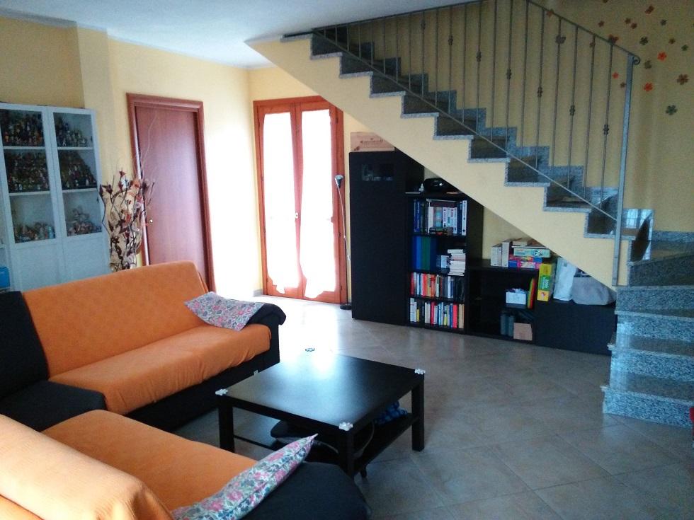 Villa Bifamiliare in vendita a Crespiatica, 4 locali, prezzo € 195.000 | Cambio Casa.it