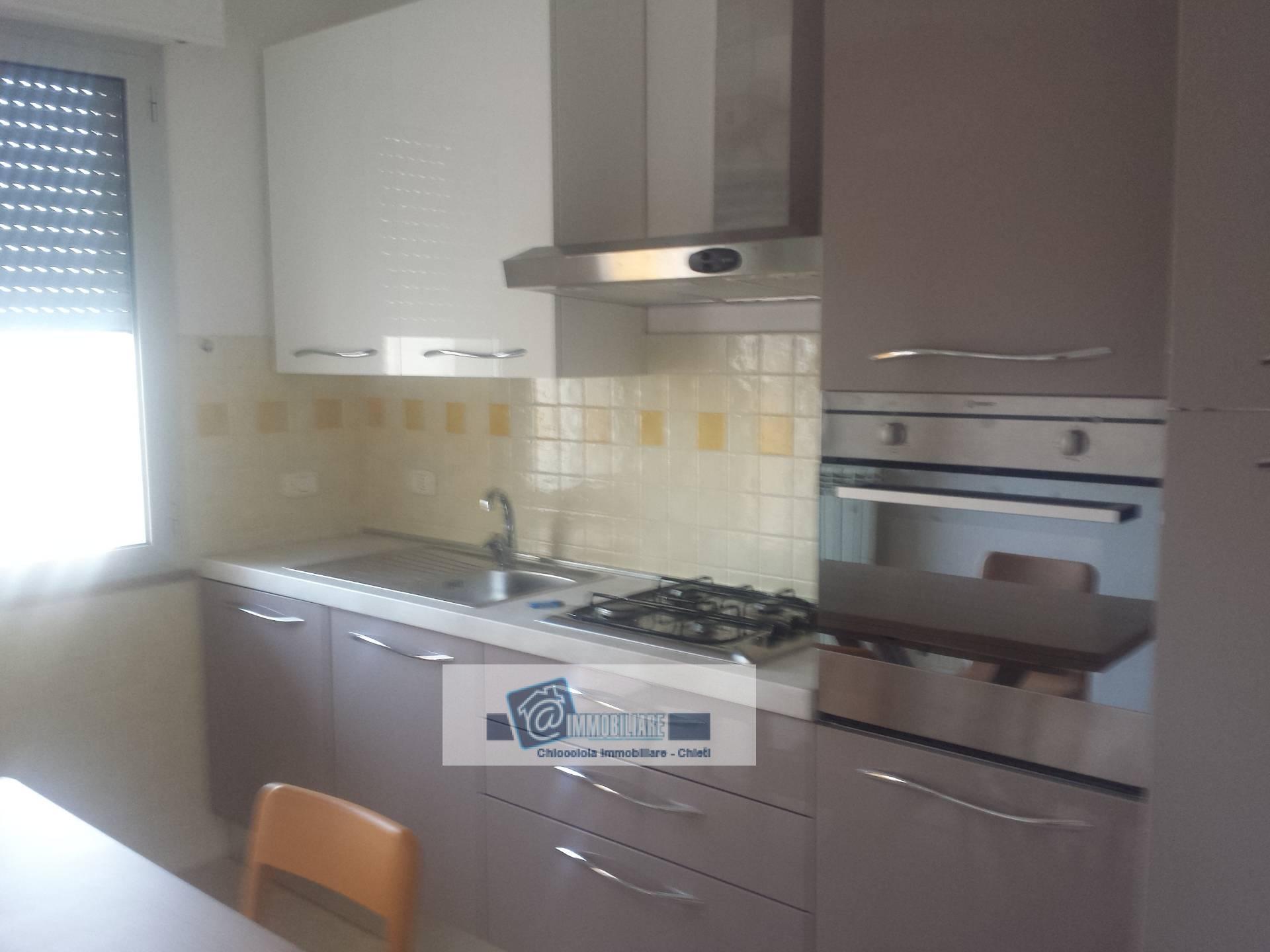 Appartamento in affitto a Chieti, 5 locali, zona Zona: Periferia, prezzo € 165.000   Cambio Casa.it