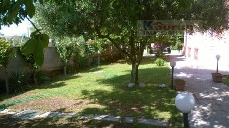 Villa in vendita a Albano Laziale, 5 locali, zona Zona: Pavona, prezzo € 390.000 | Cambio Casa.it