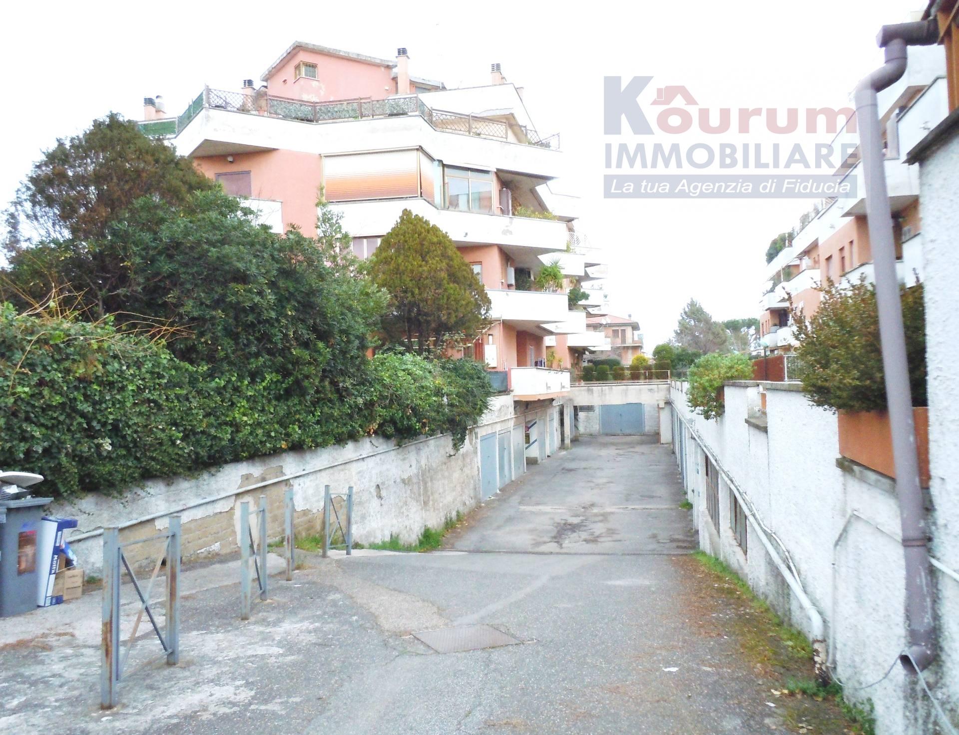 Box / Garage in vendita a Ciampino, 9999 locali, zona Località: Kennedy, prezzo € 20.000   CambioCasa.it