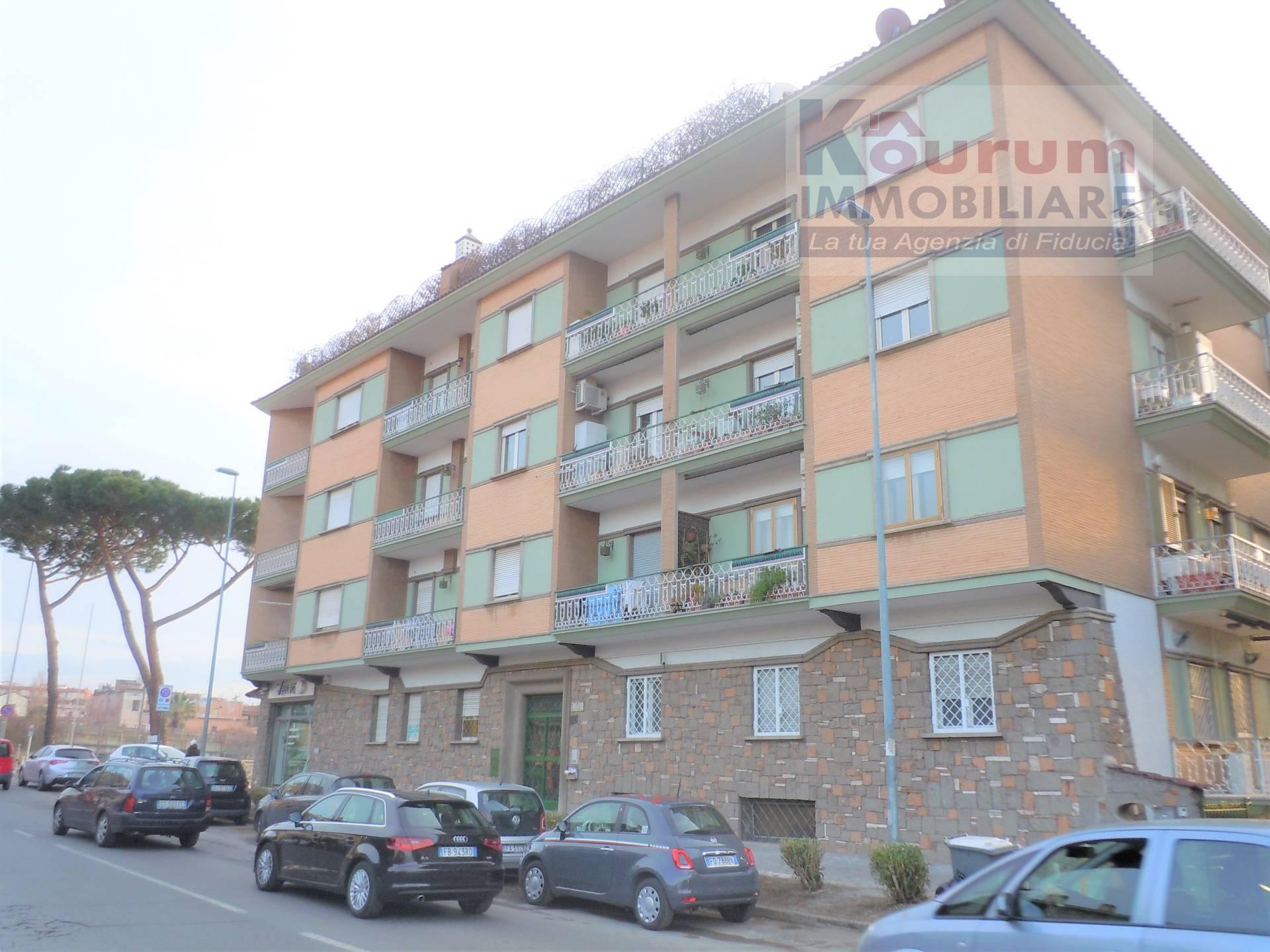Appartamento in affitto a Ciampino, 3 locali, zona Località: Kennedy, prezzo € 700 | Cambio Casa.it