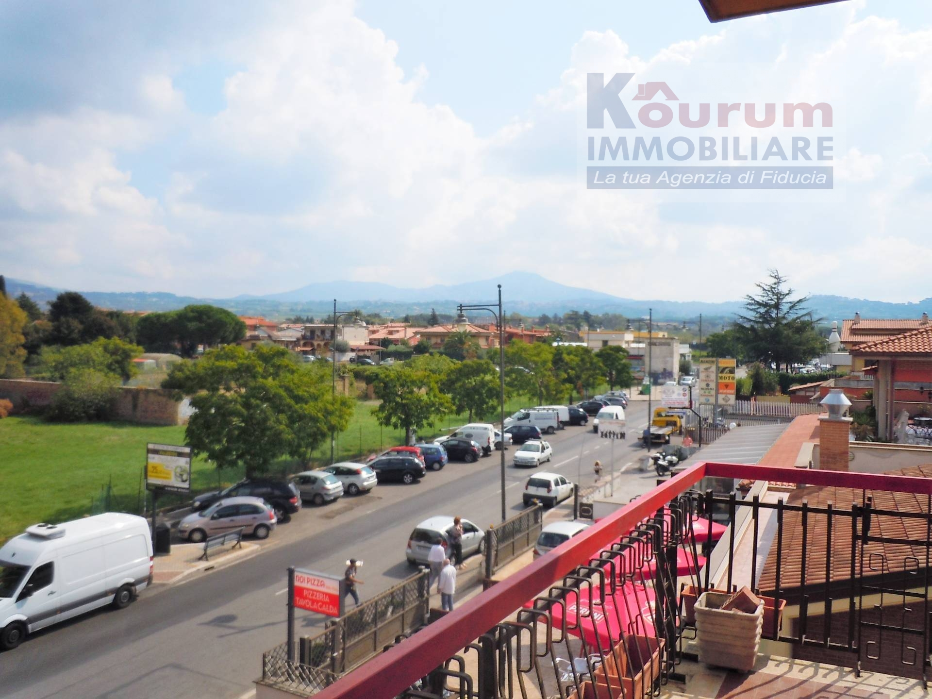 Appartamento in affitto a Ciampino, 3 locali, zona Località: MuradeiFrancesi, prezzo € 670 | Cambio Casa.it