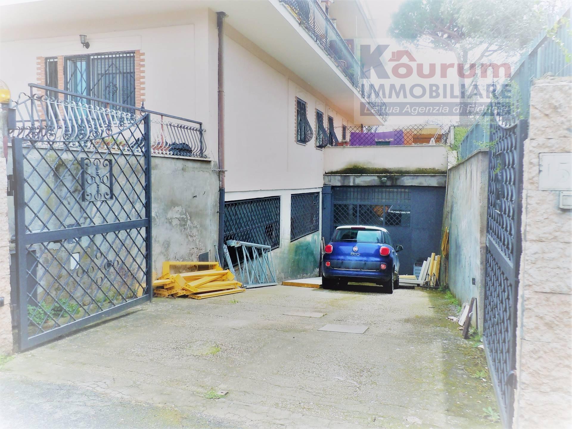 Laboratorio in vendita a Roma, 9999 locali, zona Località: Morena, prezzo € 320.000   Cambio Casa.it