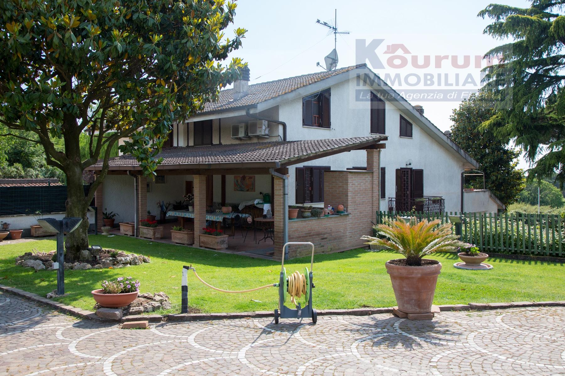 Villa in vendita a Marino, 5 locali, prezzo € 389.000 | Cambio Casa.it