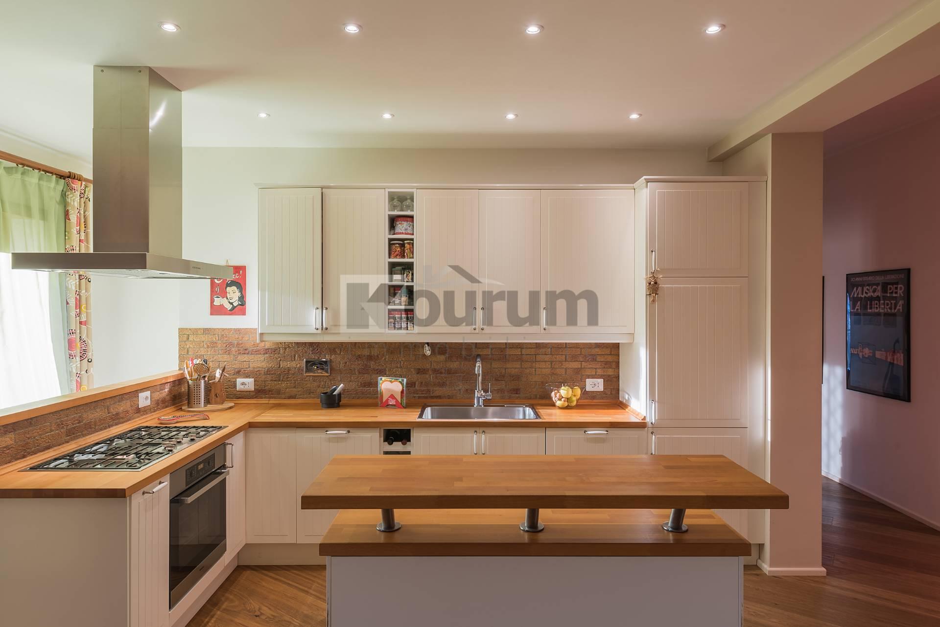 Appartamento in vendita a Ciampino, 3 locali, zona Località: Centro, prezzo € 259.000 | CambioCasa.it