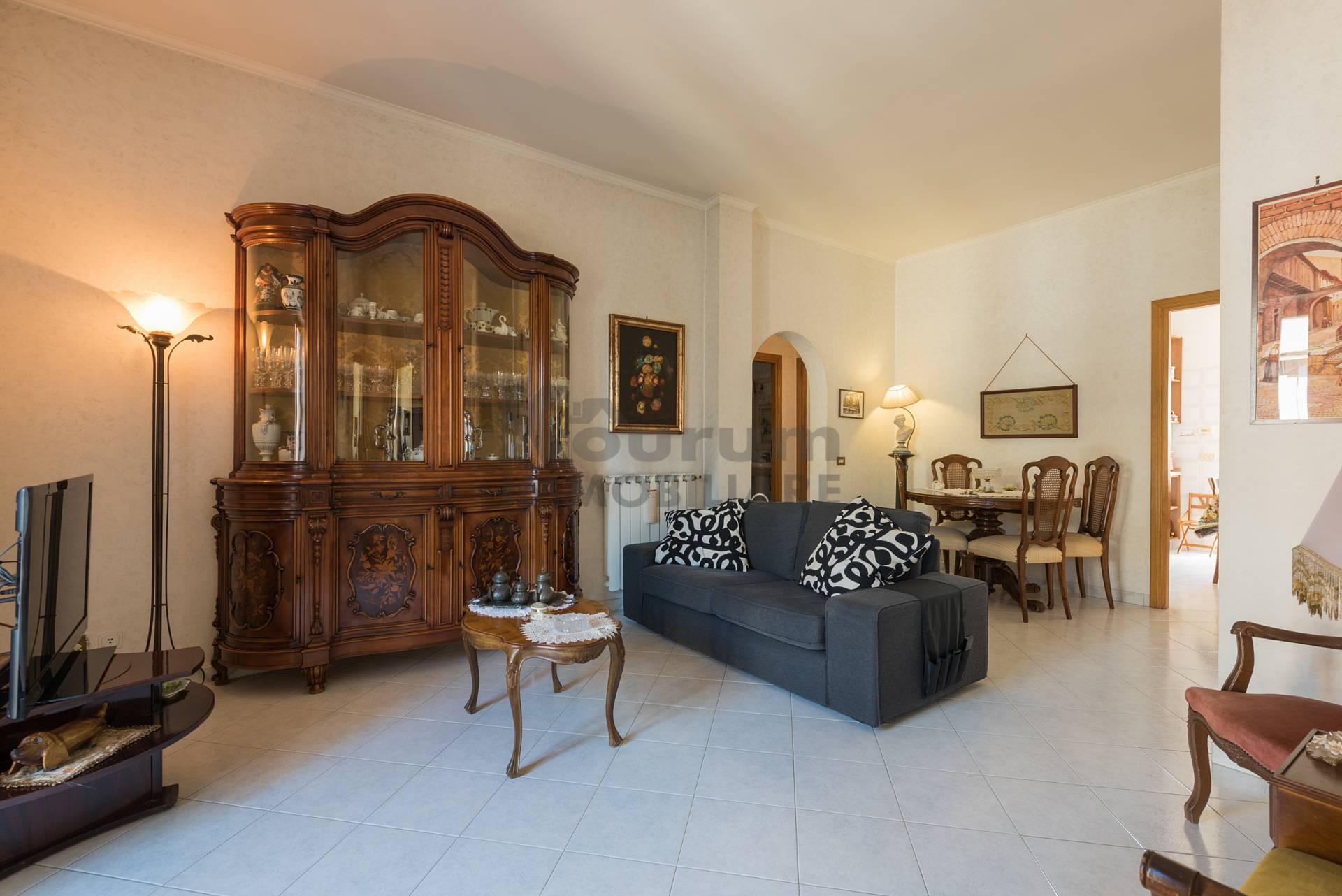 Appartamento in vendita a roma cod t2023 for Affitto ufficio anagnina
