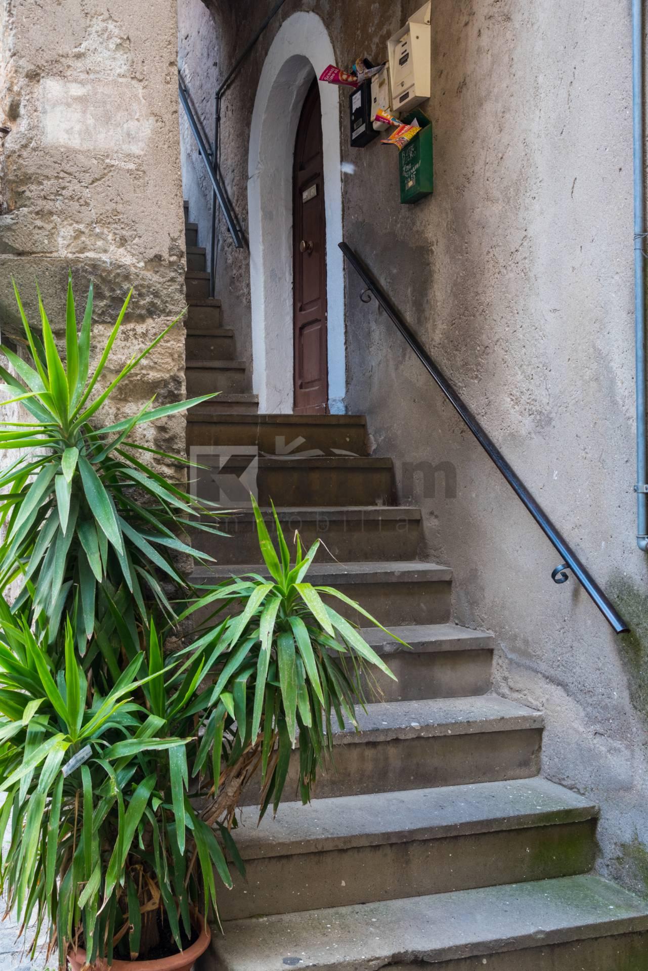 Appartamento in vendita a Marino, 2 locali, zona Località: MarinoCentro, prezzo € 49.000 | CambioCasa.it