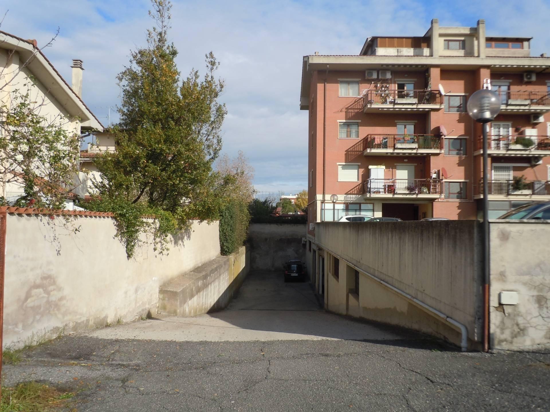 Box / Garage in vendita a Ciampino, 9999 locali, zona Località: Centro, prezzo € 38.000 | CambioCasa.it