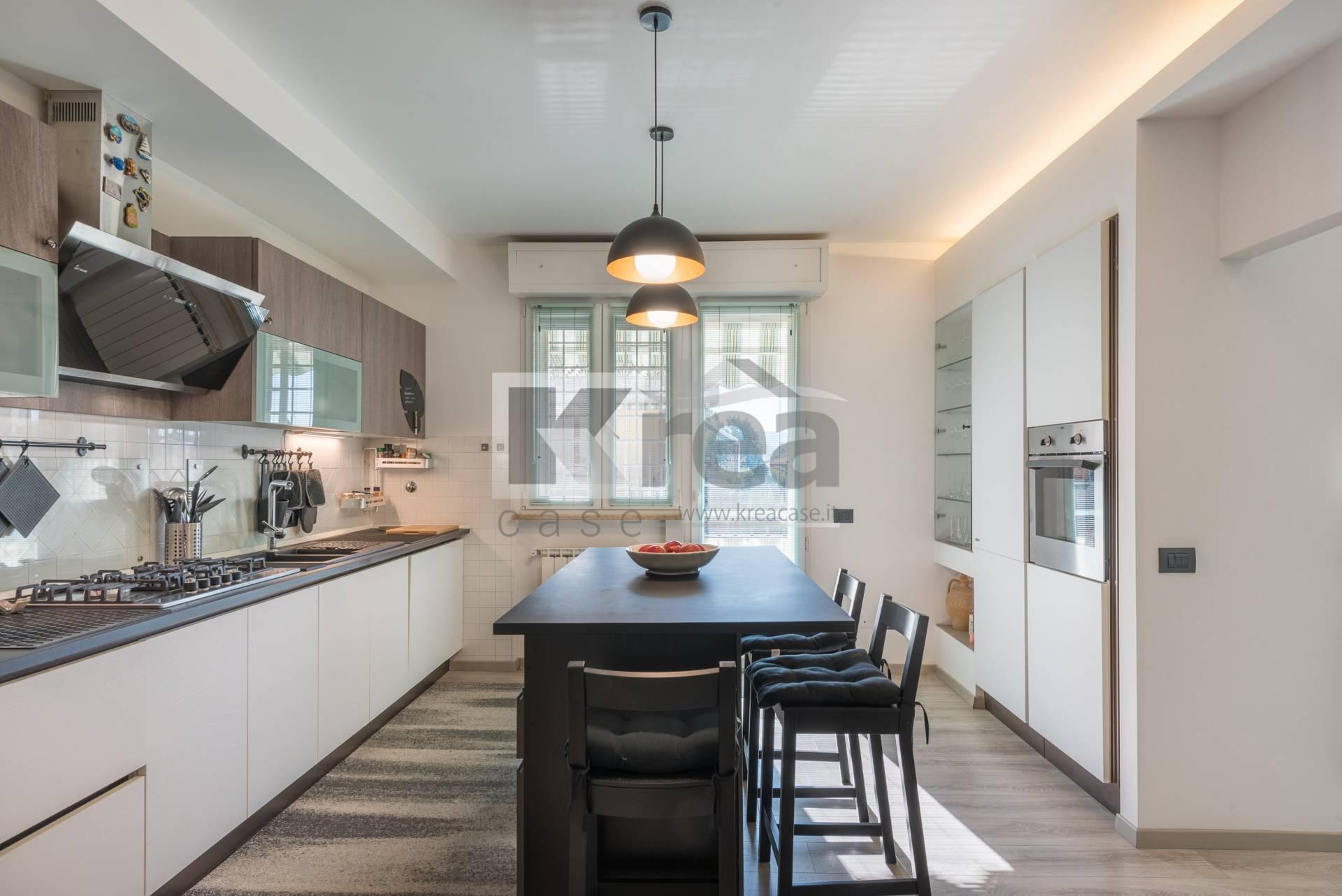Appartamento in vendita a Ciampino, 3 locali, zona Località: Centro, prezzo € 219.000 | CambioCasa.it