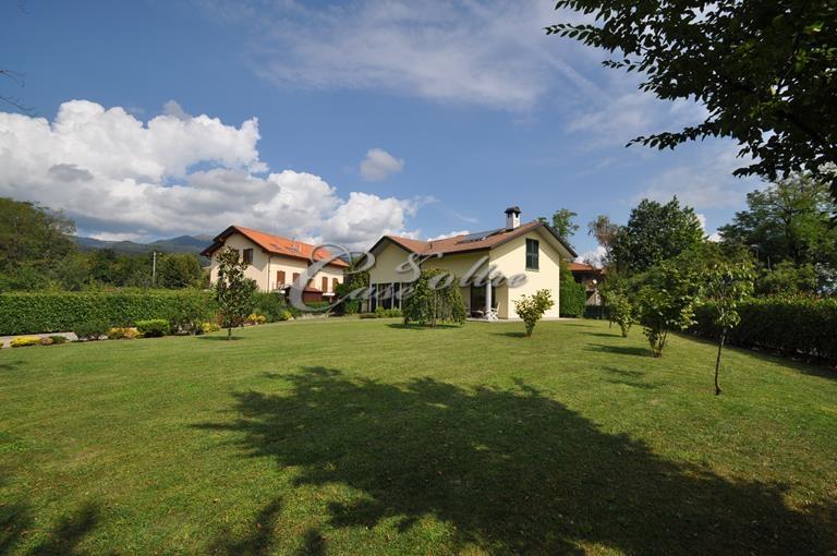 Villa in vendita a Orsenigo, 10 locali, prezzo € 490.000 | PortaleAgenzieImmobiliari.it