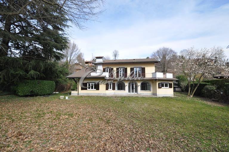 Villa in affitto a Carimate, 10 locali, zona Località: Cavalluccio, prezzo € 1.700 | CambioCasa.it