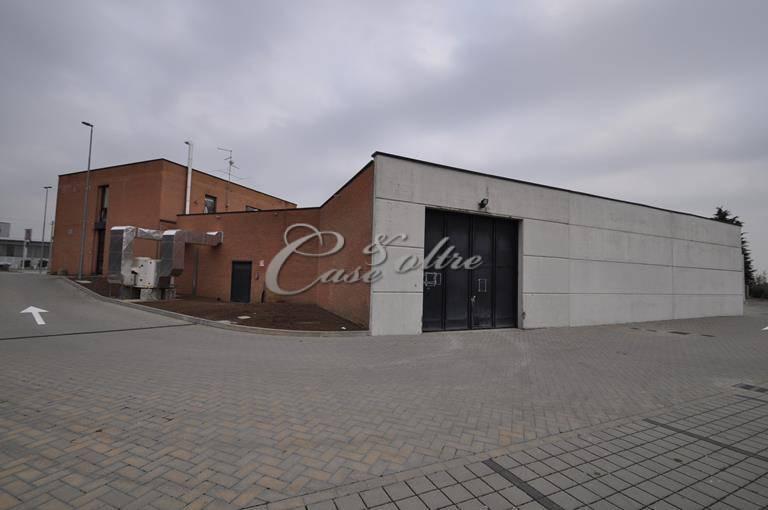Magazzino in affitto a Vertemate con Minoprio, 9999 locali, prezzo € 1.500 | CambioCasa.it