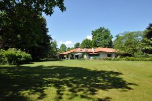 Villa in Vendita a Vertemate con Minoprio