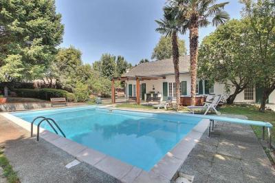 Villa for Sale to Guanzate