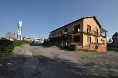 Locale commerciale in Vendita a Fino Mornasco