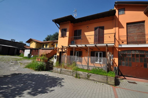 Two rooms apartment for Sale to Novedrate