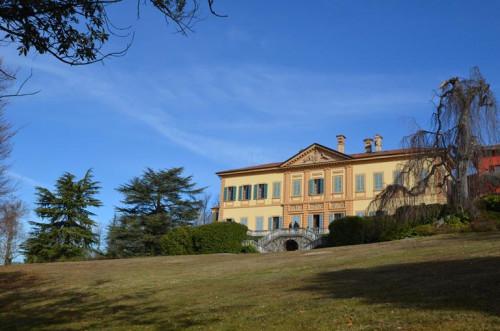 Villa d'epoca in Vendita a Casnate con Bernate