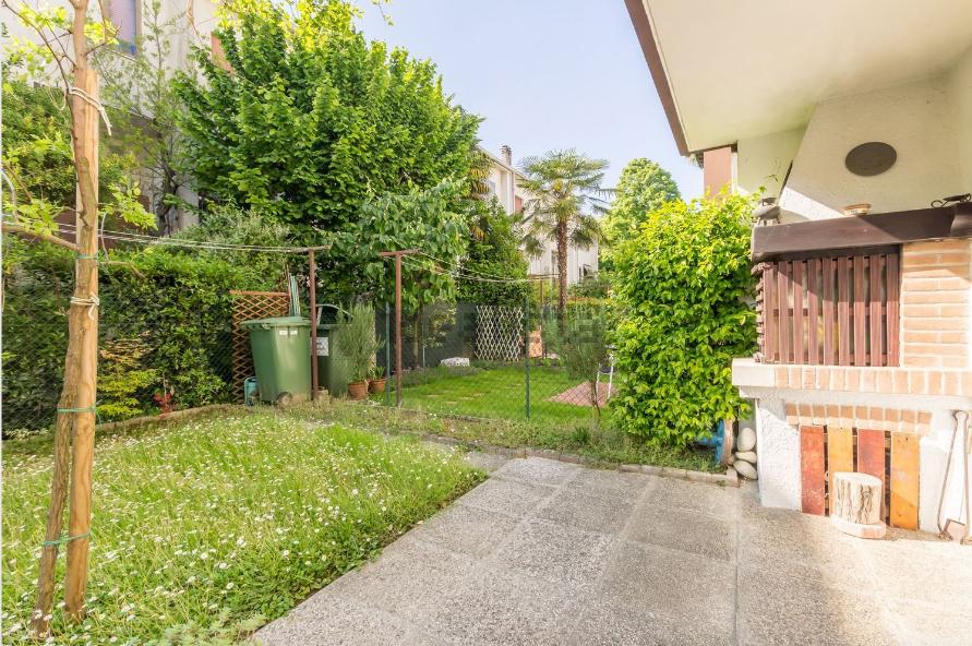 Villa in vendita a Mogliano Veneto, 7 locali, prezzo € 190.000 | Cambio Casa.it