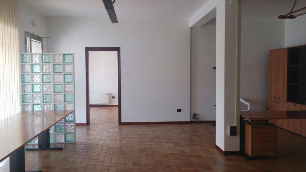 Ufficio / Studio in affitto a Scorzè, 9999 locali, zona Località: RioSanMartino, prezzo € 700 | Cambio Casa.it