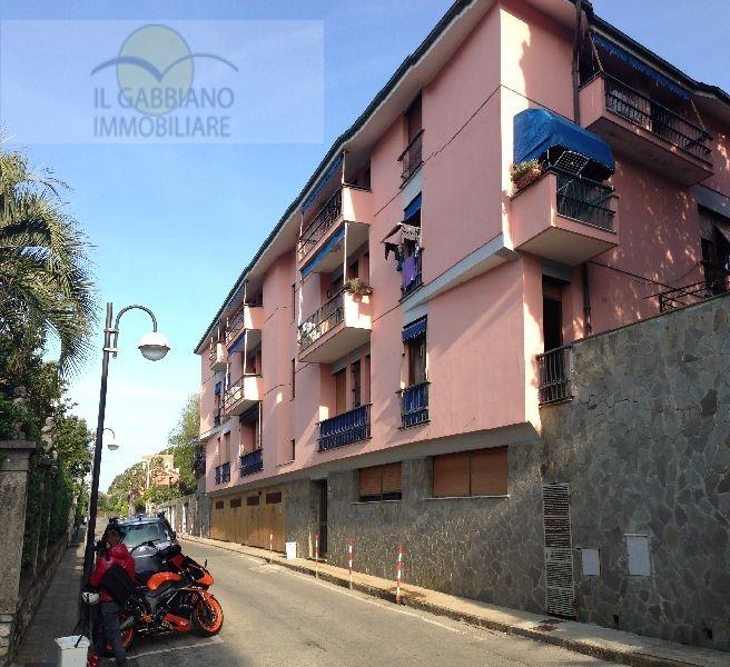 Appartamento in affitto a Recco, 6 locali, zona Località: Mulinettimare, prezzo € 750 | Cambio Casa.it