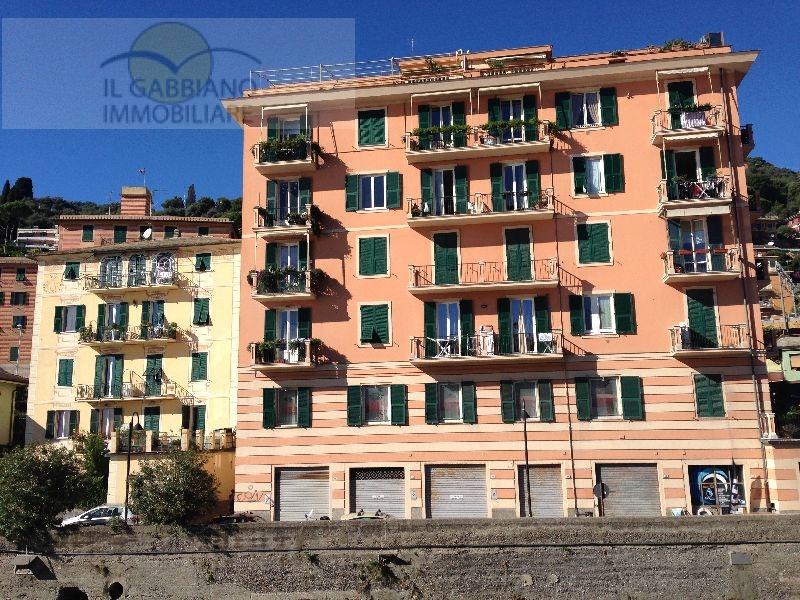 Appartamento in affitto a Recco, 6 locali, zona Località: lungomare, prezzo € 1.650 | Cambio Casa.it