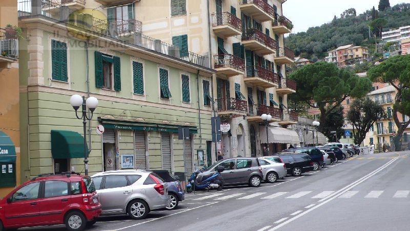 Ufficio / Studio in affitto a Recco, 9999 locali, zona Località: centralissimo, prezzo € 750 | CambioCasa.it